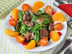 Пищевые продукты, овощи и фрукты, органические соединения, настой шиповника, недостаток витаминов, продукты животного происхождения