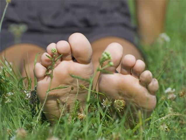 Босиком по траве