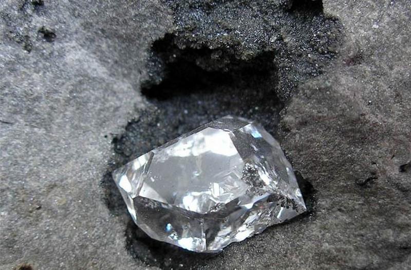 Полезное ископаемое алмаз